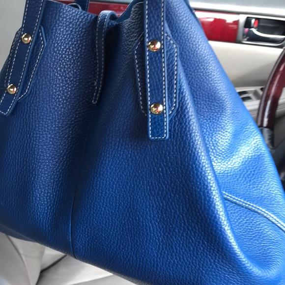 d272114824 J. McLaughlin Handbags - J McLaughlin Annie leather tote bag 💼